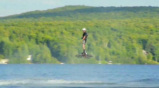 Man zet nieuw wereldrecord voor hoverboards