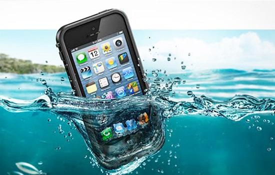 iPhone in het water