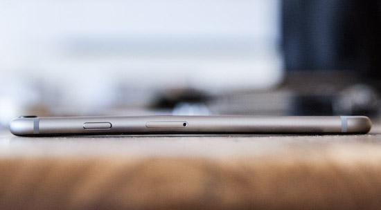 Ook de gewone iPhone 6 buigt prima
