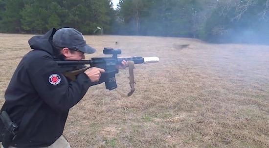 Met een M16 bacon bakken, de Amerikaanse manier!
