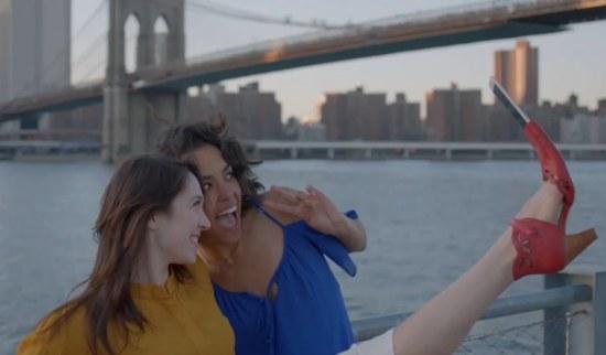 De Selfie Shoe