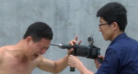 Shaolin monk vs Boormachine