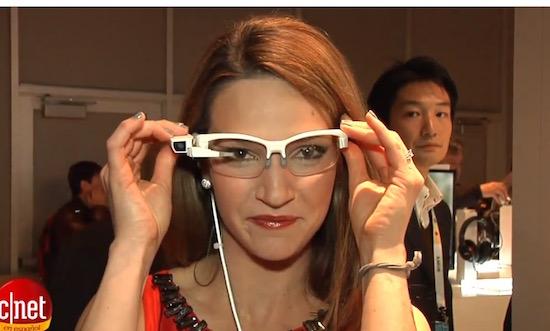 Waarom denkt Sony dat we deze bril gaan dragen?