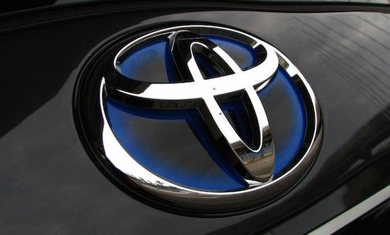 Toyota steekt 50 miljoen in zelfrijdende auto's