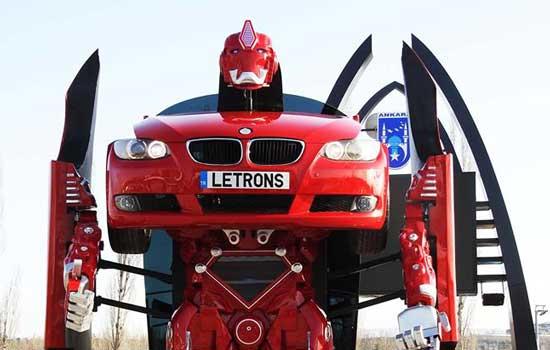 BMW verandert in robot