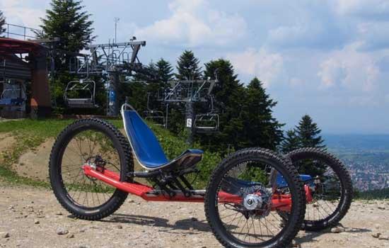 Gravity coaster op berg