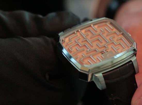 Zwitsers horlogemerk komt met horloge zonder tijd
