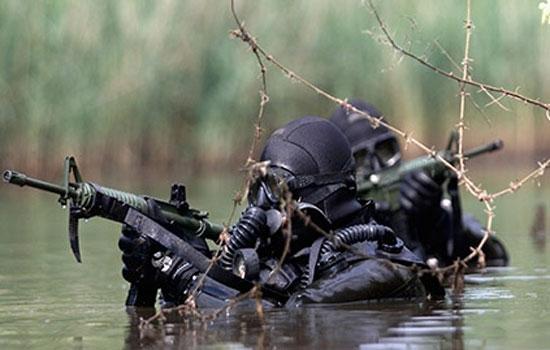 Als commando moet je goed kunnen zwemmen