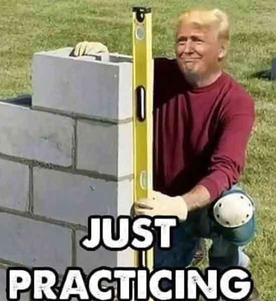 trump bouwt een muur