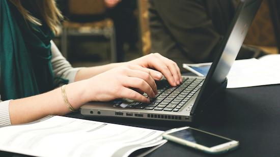 Outlook vernieuwt met gifjes en like-knop voor je e-mails