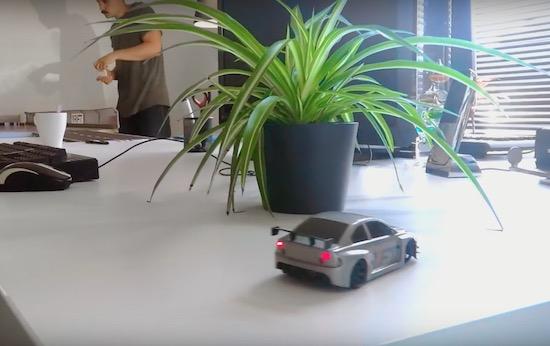 Dr!ft: een slimme op afstand bestuurbare auto [video]