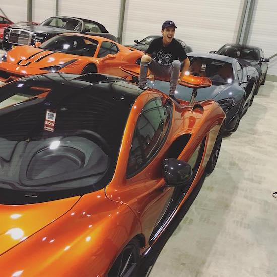 12 Nederlandse Celebs Die Pochen Met Auto S Op Instagram Apparata
