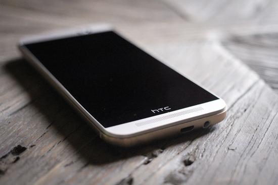 HTC ziet omzet verder kelderen: hoe lang gaat dit goed?