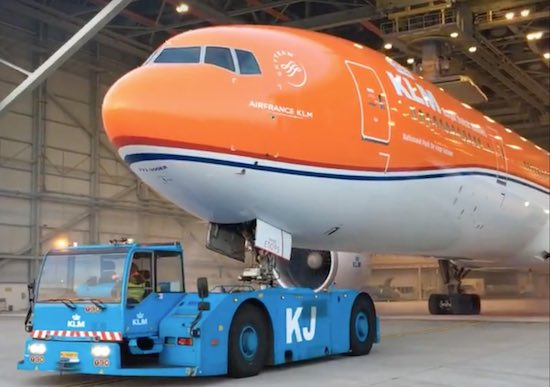 De Kracht Van Social Media Oranje Vliegtuig Van Klm Apparata