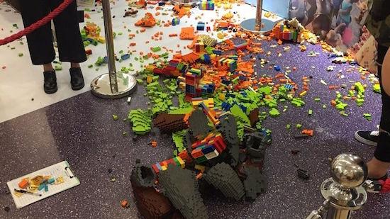 Chinees kind sloopt in no-time Lego-bouwwerk van 15.000 dollar