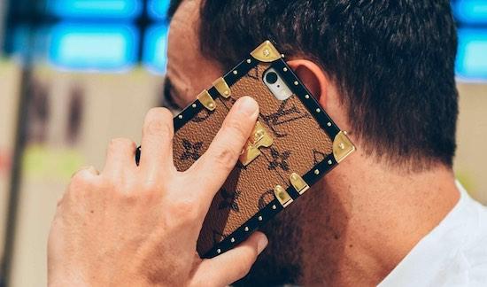 Trek de aandacht met deze Louis Vuitton iPhone-case