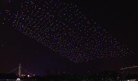 1000 drones tegelijkertijd in de lucht