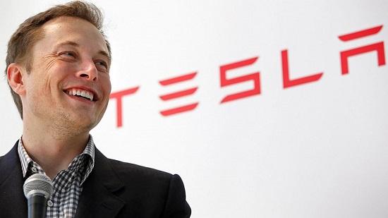 Lacht Musk omdat hij rijk is, of omdat hij de zin van het leven in een middag heeft ontcijferd?