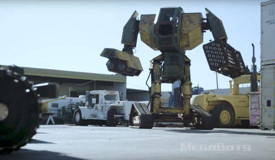 Ja, deze 5 meter grote robot gaat het tegen een vergelijkbare tegenstander opnemen