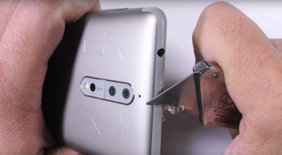 De Nokia 8 krijgt het zwaar te voortduren