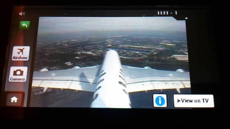 Een vliegtuig zonder echte ramen: belachelijk of geniaal?