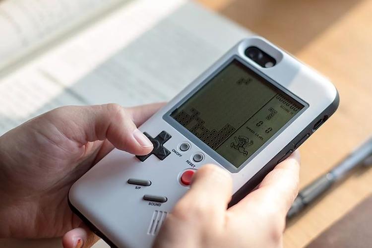 Deze case maakt een Gameboy van je huidige iPhone