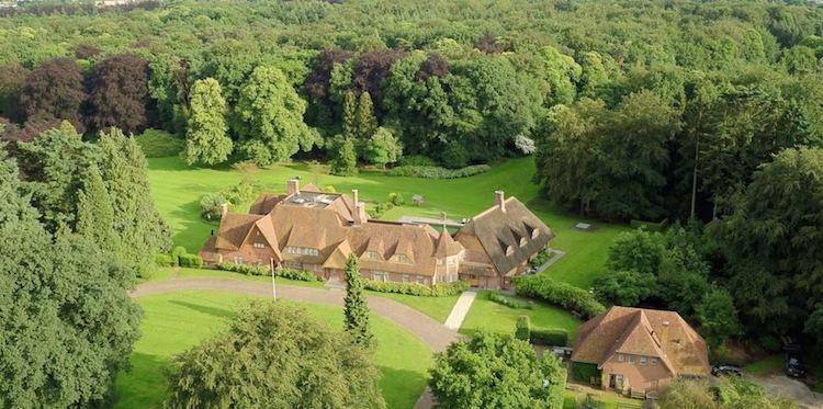 Gaat Bill Gates deze Nederlandse villa kopen?