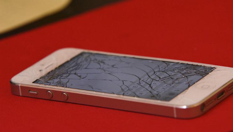 Apple moet dokken voor onbruikbaar gemaakte iPhones