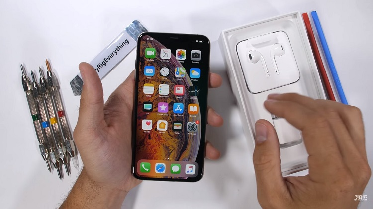 iPhone XS Max marteltest