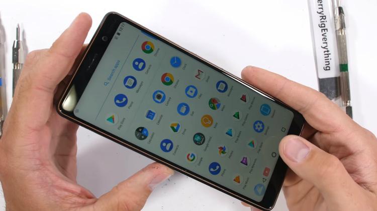 Nokia 7 Plus marteltest