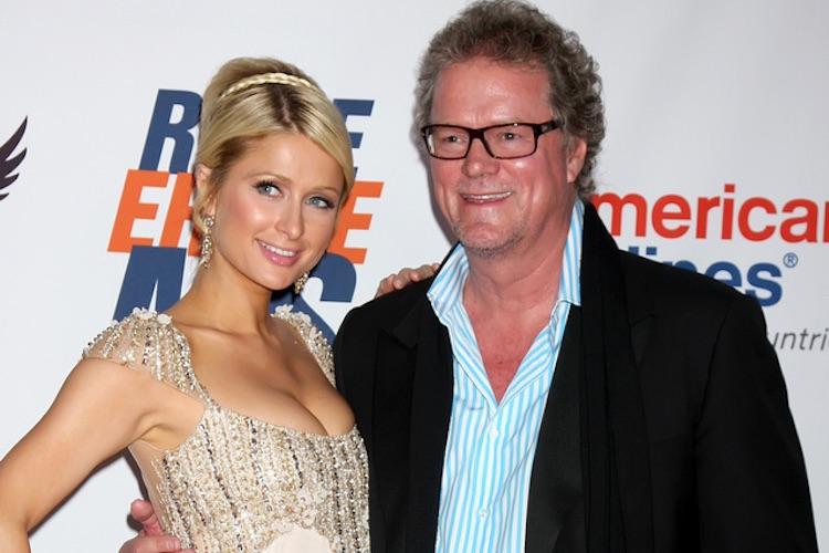 Vader Paris Hilton verkoopt huis van 38 miljoen in crypto's