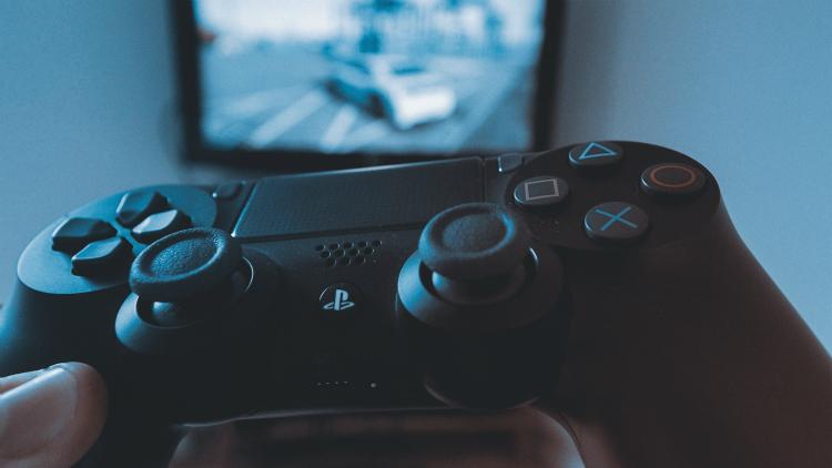Gamen, niet telefoneren, met Sony's producten