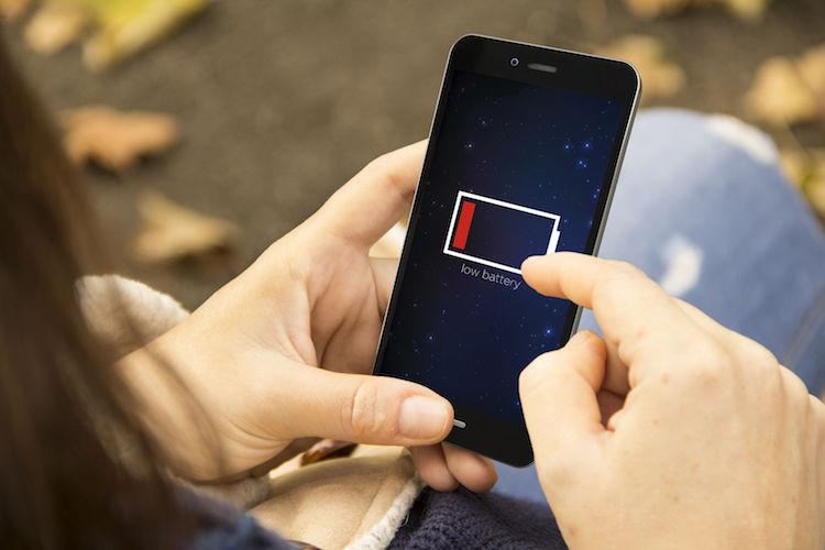 Man geëlektrocuteerd door zijn eigen smartphone