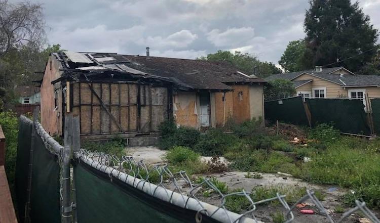 Waarom dit uitgebrande huis $800.000 moet opleveren