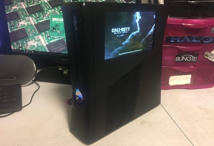 Xbox 360 met ingebouwde LCD
