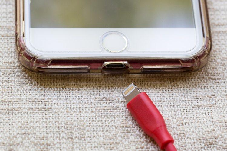 'iPhone gaat stoppen met Lightning-port