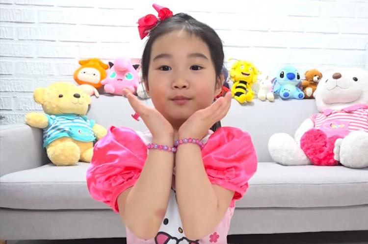 6-jarige YouTuber koopt villa van 8 miljoen