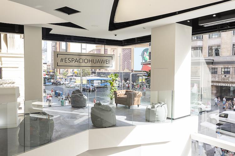 Hier staat de nieuwste flagship store van Huawei