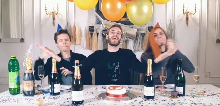 PewDiePie-feliciteert-T-series