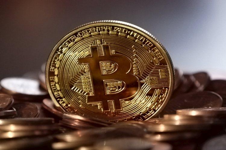 bitcoin-stijgt-record-altcoins-verlies