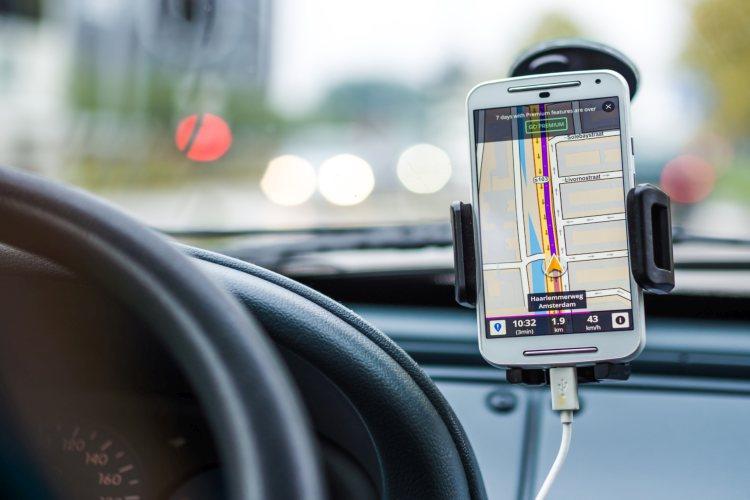 google-maps-verlichte-straten-wegen-zoeken