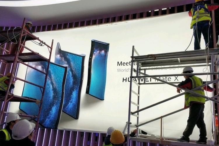 Hier, de vouwbare smartphone van Huawei