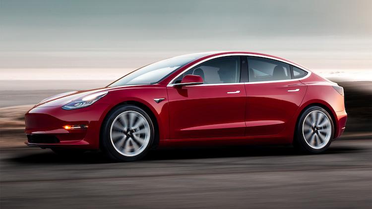 Man steelt Tesla Model 3, eigenaar volgt dief op de app